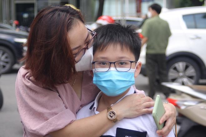 Hôm nay, hơn 3000 thí sinh tranh tài vào lớp 6 trường THCS Nguyễn Tất Thành - 3