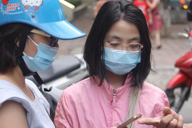 Hôm nay, hơn 3000 thí sinh tranh tài vào lớp 6 trường THCS Nguyễn Tất Thành - 15