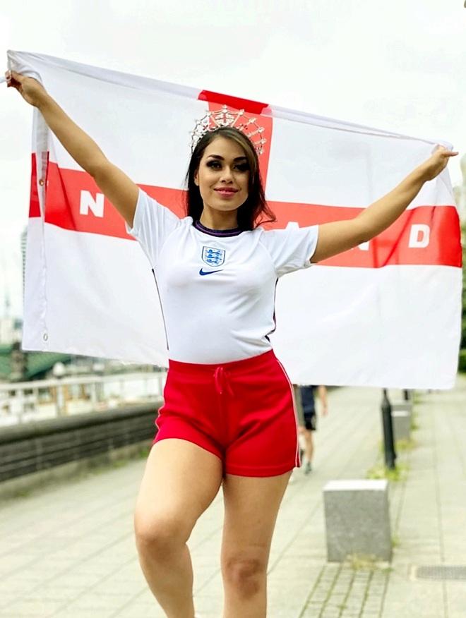 Dàn thí sinh thi Hoa hậu cổ vũ đội tuyển Anh vô địch Euro 2020 - 10