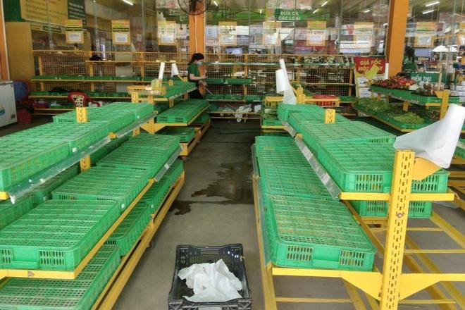 Cần Thơ: Siêu thị, chợ đều hết sạch rau, thịt trước giờ giãn cách xã hội - 2
