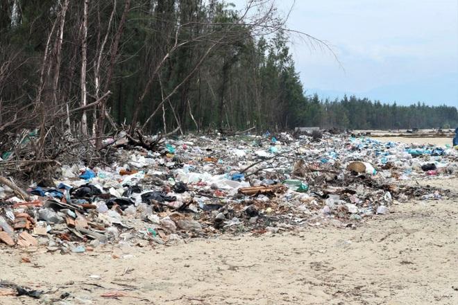 Kinh hãi cảnh rác thải nhựa dày đặc trên đảo ngọc của Quảng Nam - 8