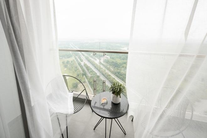Vợ chồng chi tiền tỷ làm sân vườn, hồ cá Koi ở căn penthouse tầng 30 - 2