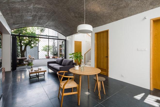 Nhà phố rộng 380 m2 với 3 phòng ngoài trời hình vòm độc đáo ở Sài Gòn - 4