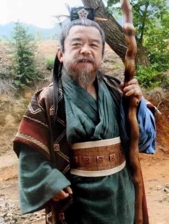 Nam diễn viên lùn nhất Trung Quốc: Lấy 4 người vợ đều là... mỹ nữ - 1