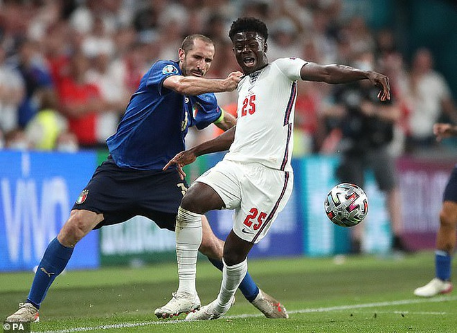 Bất mãn với trọng tài, cổ động viên Anh đòi đá lại trận chung kết Euro 2020 - 1