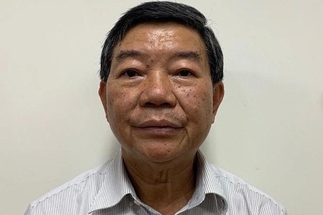 Cựu Giám đốc Bệnh viện Bạch Mai bắt tay thổi giá thiết bị y tế như thế nào? - 2