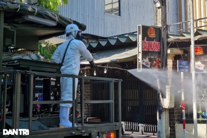 Đà Nẵng: Cụ ông 74 tuổi đến bệnh viện khám, được phát hiện nhiễm SARS-CoV-2 - 1