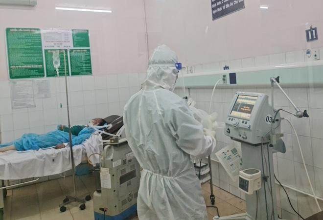 TPHCM: Nhiều bệnh nhân Covid-19 không có triệu chứng, đột ngột trở nặng - 1
