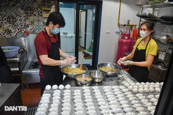 Tìm lại hương vị Việt trong món bánh nếp trứ danh Hà thành - 3