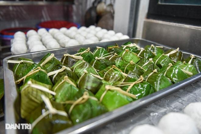 Tìm lại hương vị Việt trong món bánh nếp trứ danh Hà thành - 1