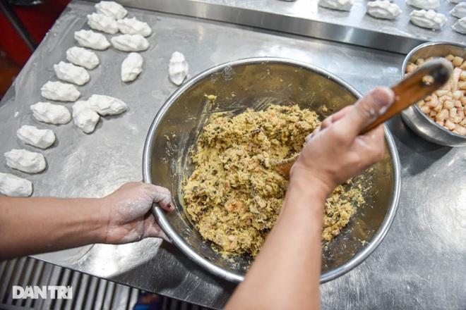 Tìm lại hương vị Việt trong món bánh nếp trứ danh Hà thành - 6