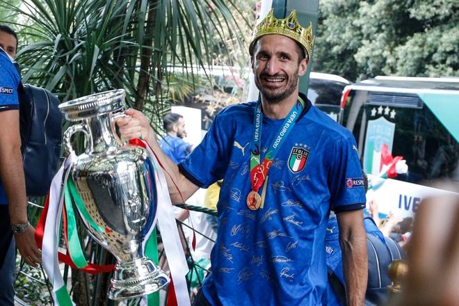 Đội trưởng tuyển Italia lâm vào cảnh thất nghiệp - 1