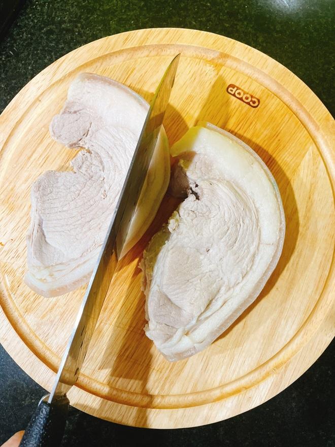 Cô giáo dạy Hóa mách cách làm thịt heo hai đầu da chuẩn như nhà hàng - 5