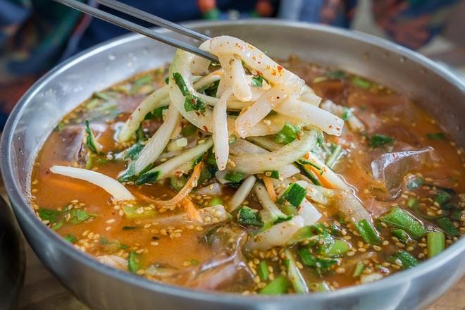 5 đặc sản ăn tươi nuốt sống ở Hàn Quốc khiến thực khách rùng mình - 10