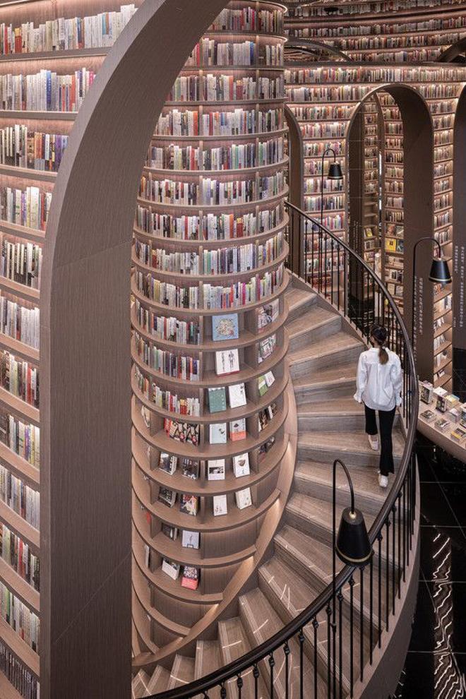 Thư viện vô cực hút khách nhờ tuyệt chiêu đánh lừa thị giác - 5