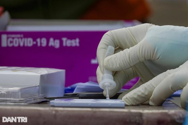 Bộ Y tế công bố 18 ca tử vong do Covid-19 tại 7 địa phương - 1