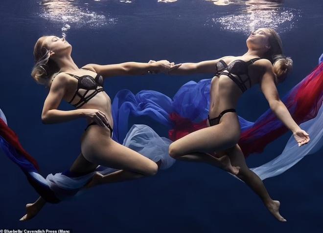 Vẻ đẹp hút hồn của hai nữ vận động viên bơi nghệ thuật - 6