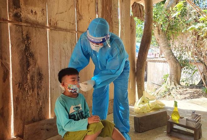 Ghi nhận 21 ca nhiễm SARS-CoV-2, Nghệ An giãn cách xã hội huyện miền núi - 1