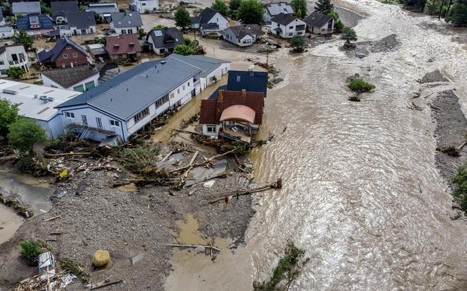 1.300 người mất tích trong mưa lũ lịch sử ở Đức - 4