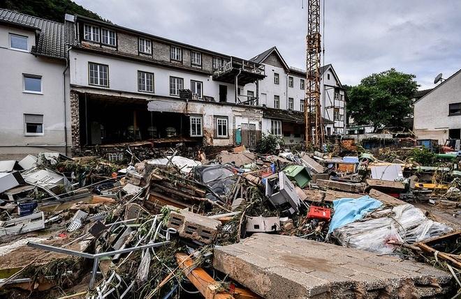 68 người chết trong thảm họa mưa lũ trăm năm có một ở châu Âu - 2