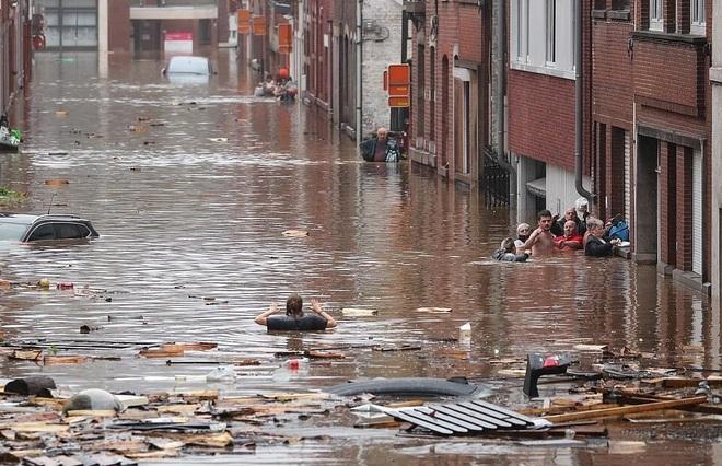 68 người chết trong thảm họa mưa lũ trăm năm có một ở châu Âu - 6