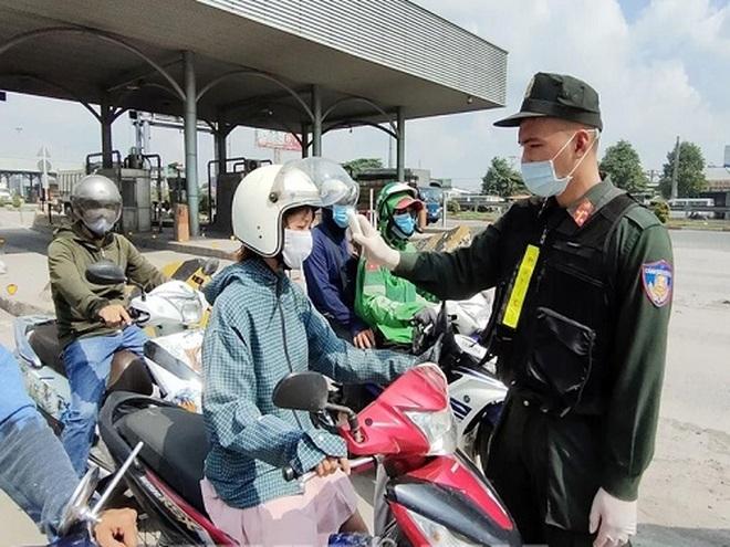 Tuần qua: F0 tại TPHCM tăng vọt, dịch bủa vây nhiều tỉnh phía Nam - 6