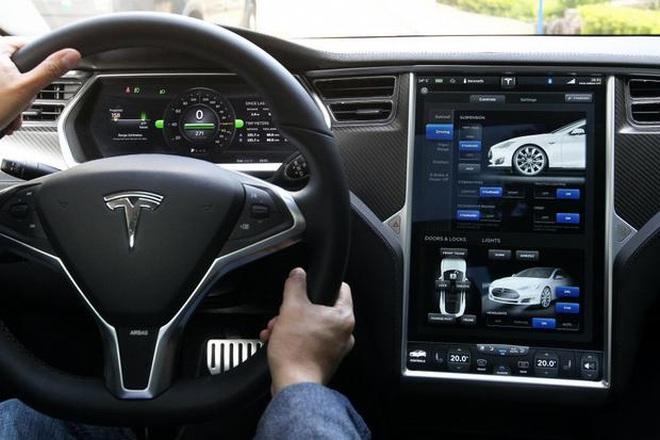 Tesla đã tìm được nhà cung cấp công nghệ camera thay thế gương cửa - 1