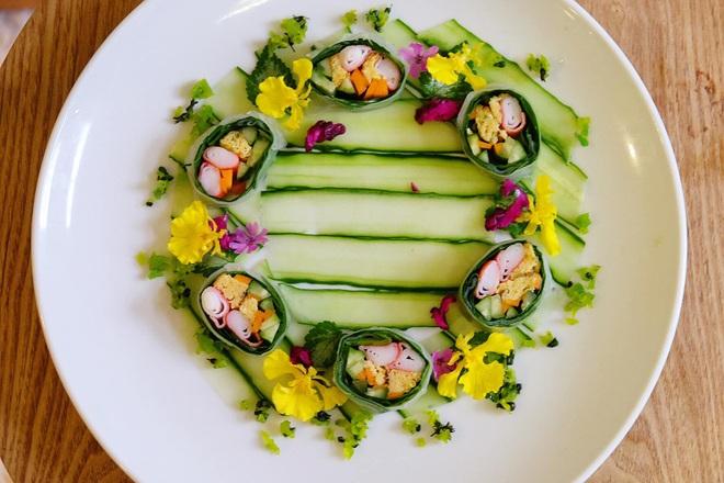Chàng trai Việt có tài vẽ tranh trên các món ăn - 8