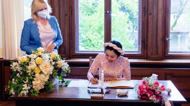 Đám cưới mùa dịch chỉ có 5 người của cô dâu Việt và chú rể Đức - 4