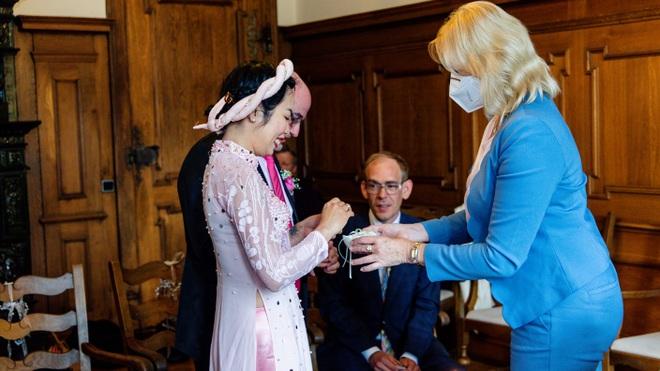 Đám cưới mùa dịch chỉ có 5 người của cô dâu Việt và chú rể Đức - 5