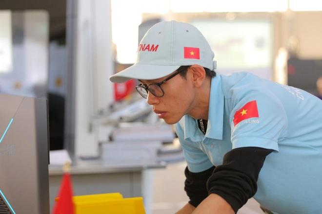 Đại sứ nghề Trương Thế Diệu được nhận lương từ năm thứ 2 học nghề - 5
