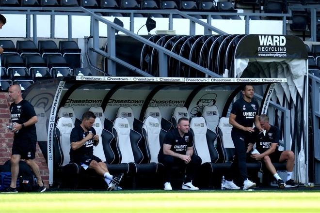 Man Utd thắng nhẹ nhàng trước đội bóng của Wayne Rooney - 3