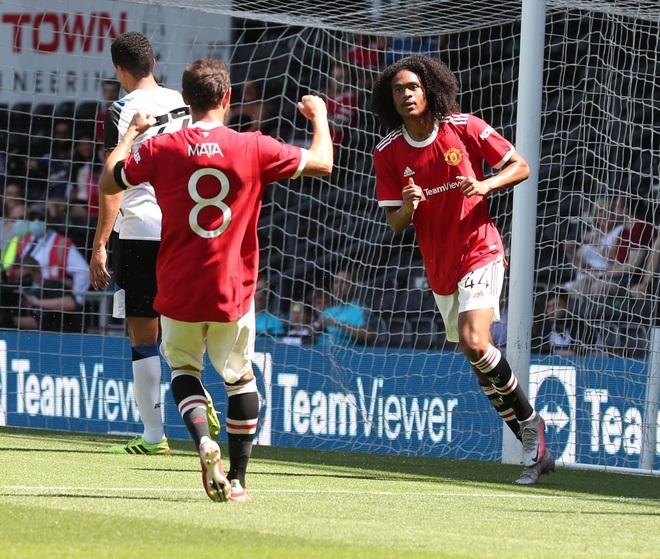Man Utd thắng nhẹ nhàng trước đội bóng của Wayne Rooney - 4