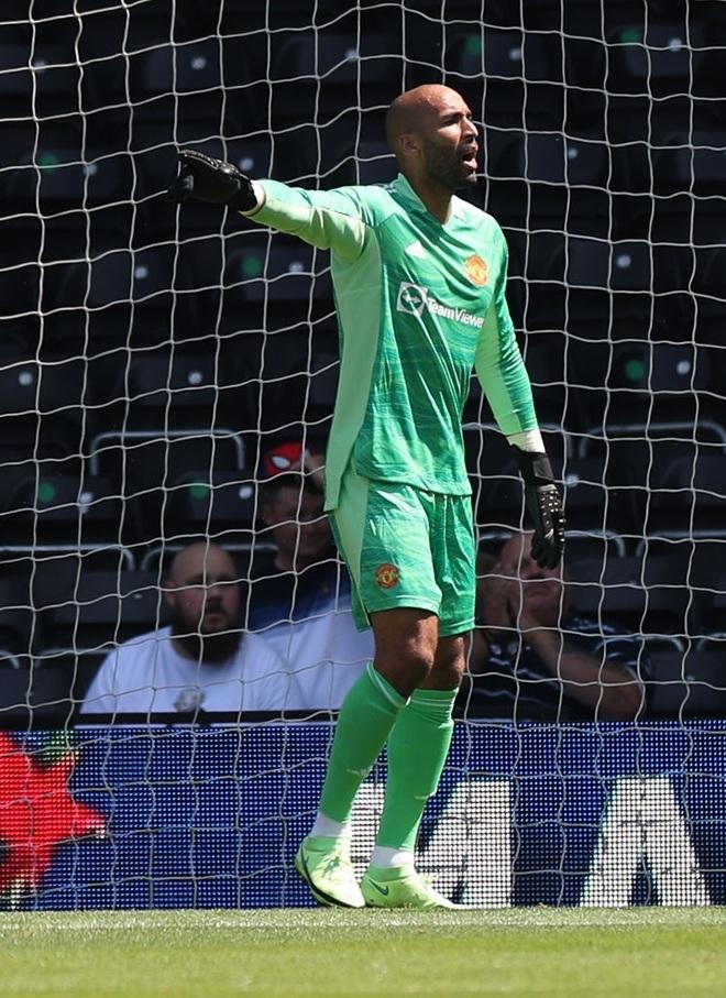 Man Utd thắng nhẹ nhàng trước đội bóng của Wayne Rooney - 8