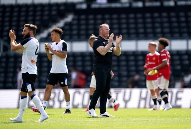 Man Utd thắng nhẹ nhàng trước đội bóng của Wayne Rooney - 15