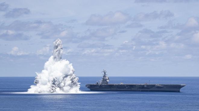 Mỹ gây nổ như động đất 3,9 độ richter khi thử tàu sân bay 13 tỷ USD - 1
