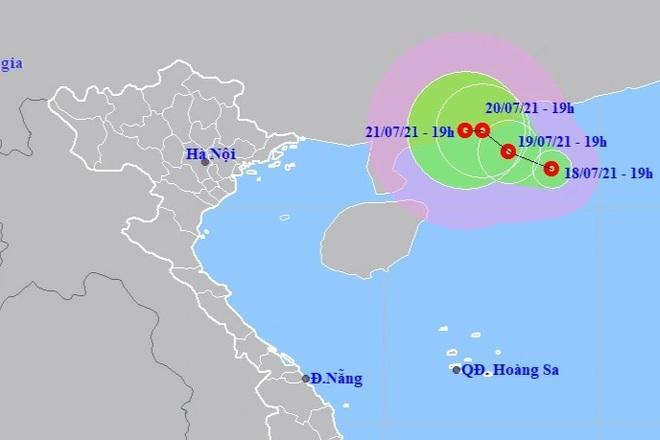 Biển Đông xuất hiện áp thấp nhiệt đới, cảnh báo thời tiết nguy hiểm - 1