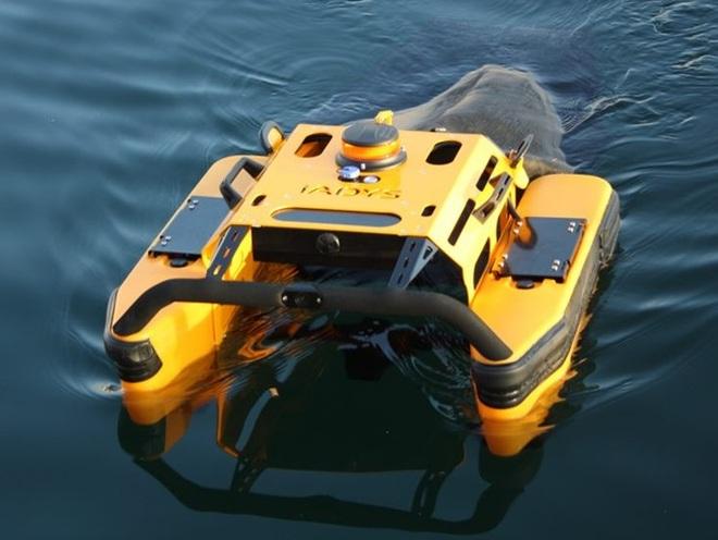 Cận cảnh robot bơi như cá, gom rác không biết mệt mỏi - 1
