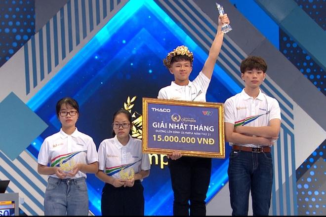 Nam sinh Quảng Ngãi lội ngược dòng khó tin, vô địch thi tháng Olympia - 2