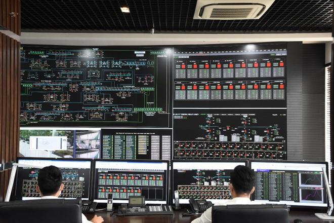 EVNHANOI đảm bảo điện phục vụ phòng chống dịch, sản xuất kinh doanh, tiêu dùng của người dân - 1