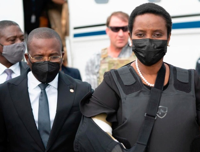 Đệ nhất phu nhân Haiti làm nóng chính trường sau vụ Tổng thống bị ám sát - 1