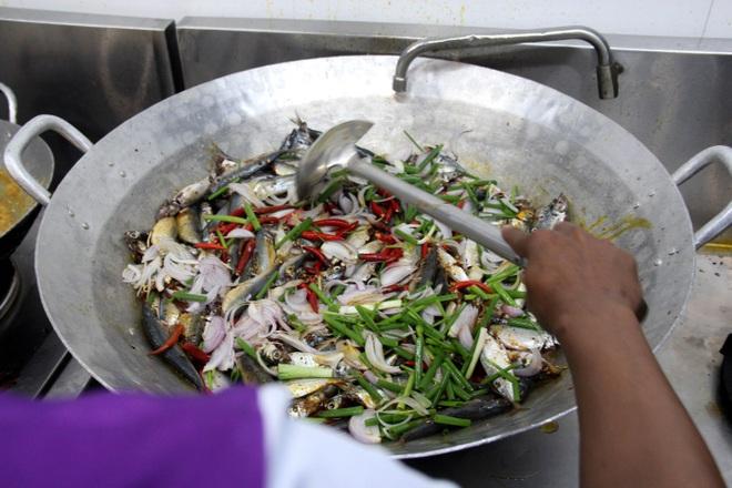 Người Đà thành kho cá, làm bánh tét tiếp sức TPHCM chống dịch - 8