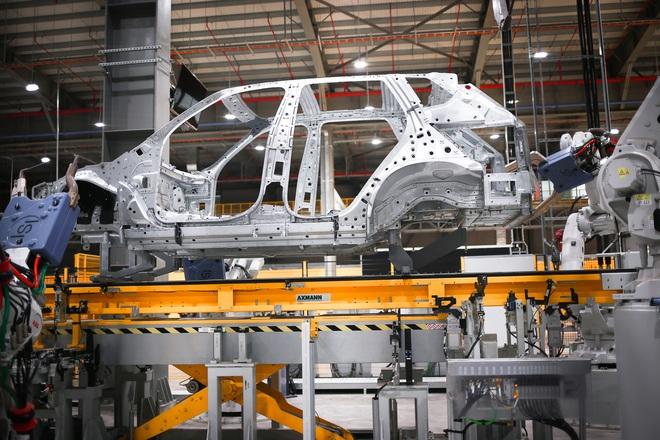 Gần 4 năm bỏ thuế nhập linh kiện, ngành ô tô Việt vẫn phụ thuộc nước ngoài - 1