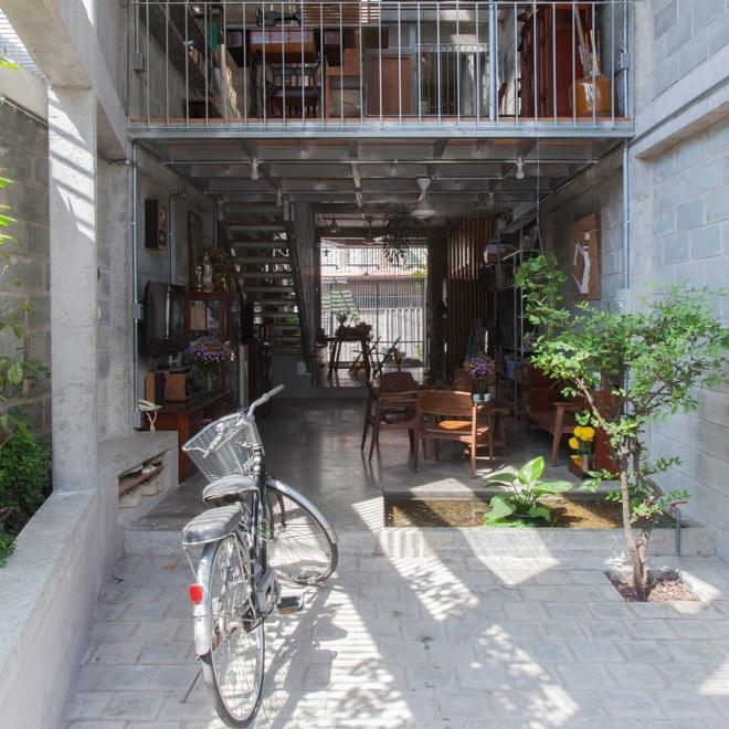 Nhà chia đôi độc đáo ở Sài Gòn - 3