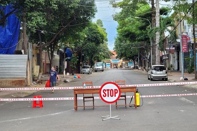 Đắk Lắk: Shipper пһіễм đi hàng trăm địa điểm - 1