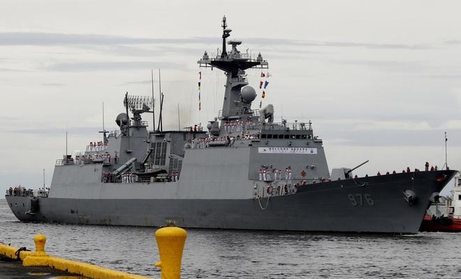 Hàn Quốc bùng dịch trên chiến hạm, Singapore khuyên người chưa tiêm ở nhà - 1