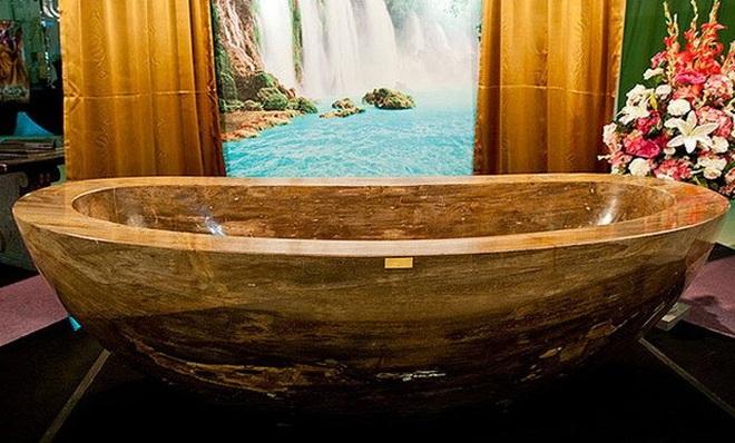 Chiêm ngưỡng bồn tắm đắt nhất thế giới giá 40 tỷ đồng - 1