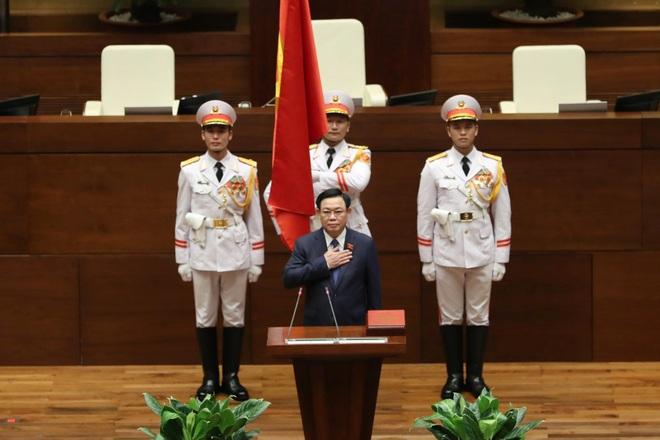 Chủ tịch Quốc hội: Cảm xúc qua 2 lần tuyên thệ nhậm chức vẫn tươi mới - 3