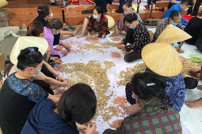 Hơn 1.000 tấn hàng của người dân xứ Thanh gửi tới thành phố mang tên Bác - 1