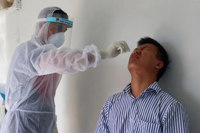 2 người hết cách ly, từ TPHCM ra Hà Nội, vào Bình Định lại nhiễm SARS-CoV-2 - 1